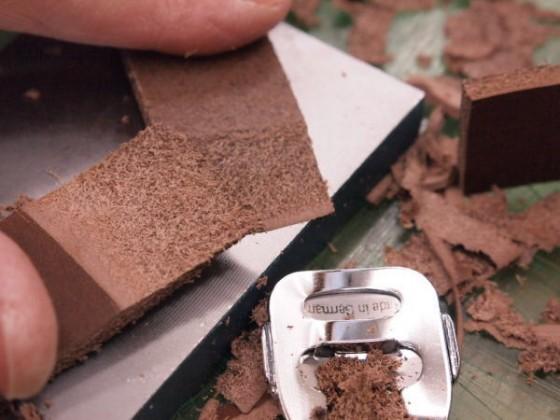 窓のサンに合わせて細切りし。長さは調節。貼り合わせで。