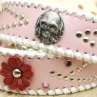 パールピンクの首輪