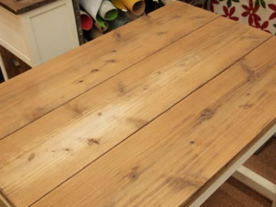 工房のテーブル。